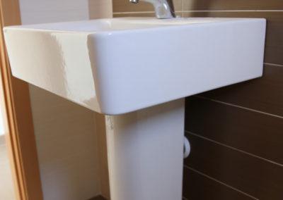 Detalle lavabo Apartamentos Blaumar playa de Piles