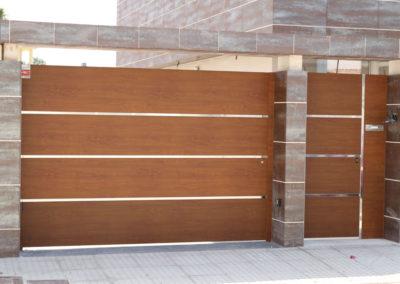 Foto 3 puerta pareado exterior