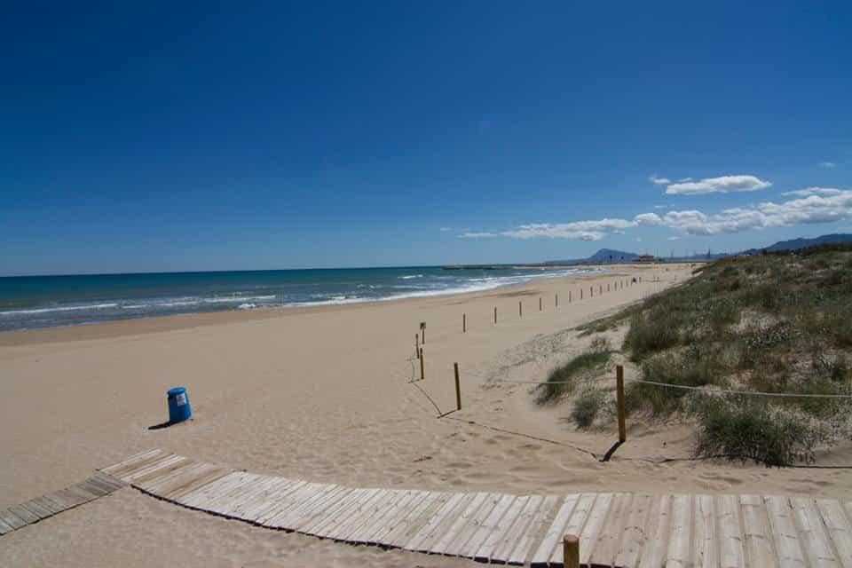 Tu casa en la playa, cuatro razones para decidirte.